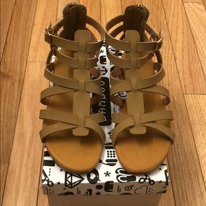 Bamboo sandals - Size 9